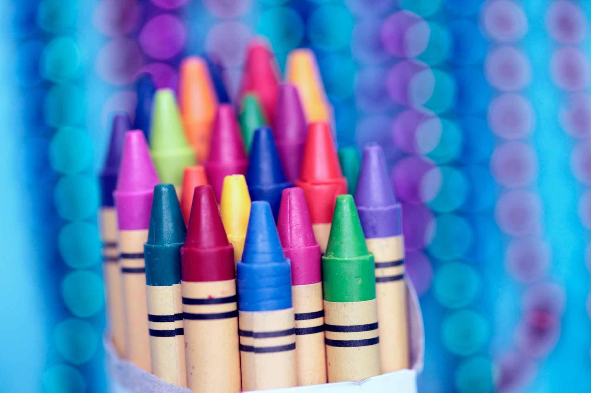 Polovni namještaj bojenje voštanim bojama