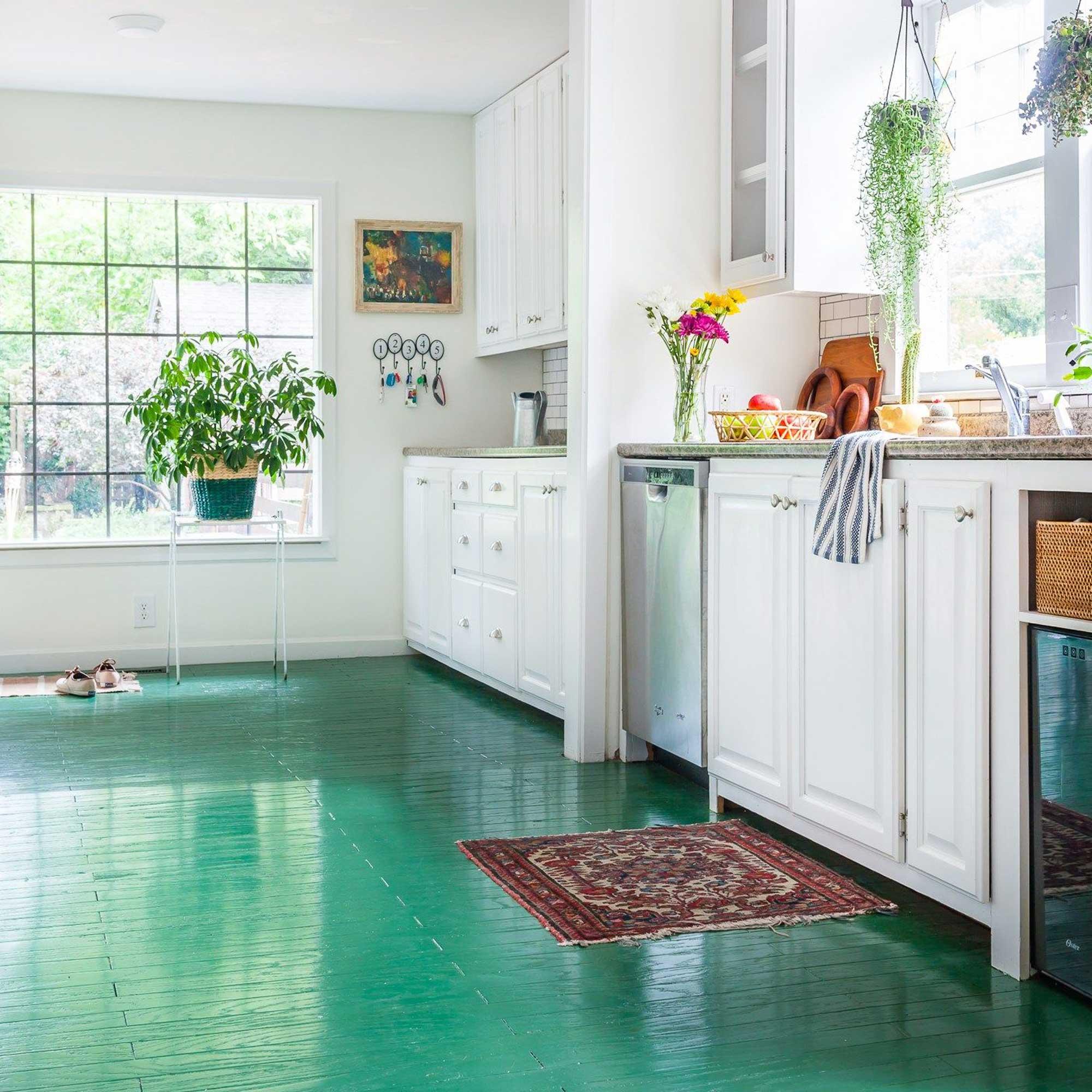 Renoviranje stana za najam: 5 načina za prekrivanje oštećenih podova - Boja