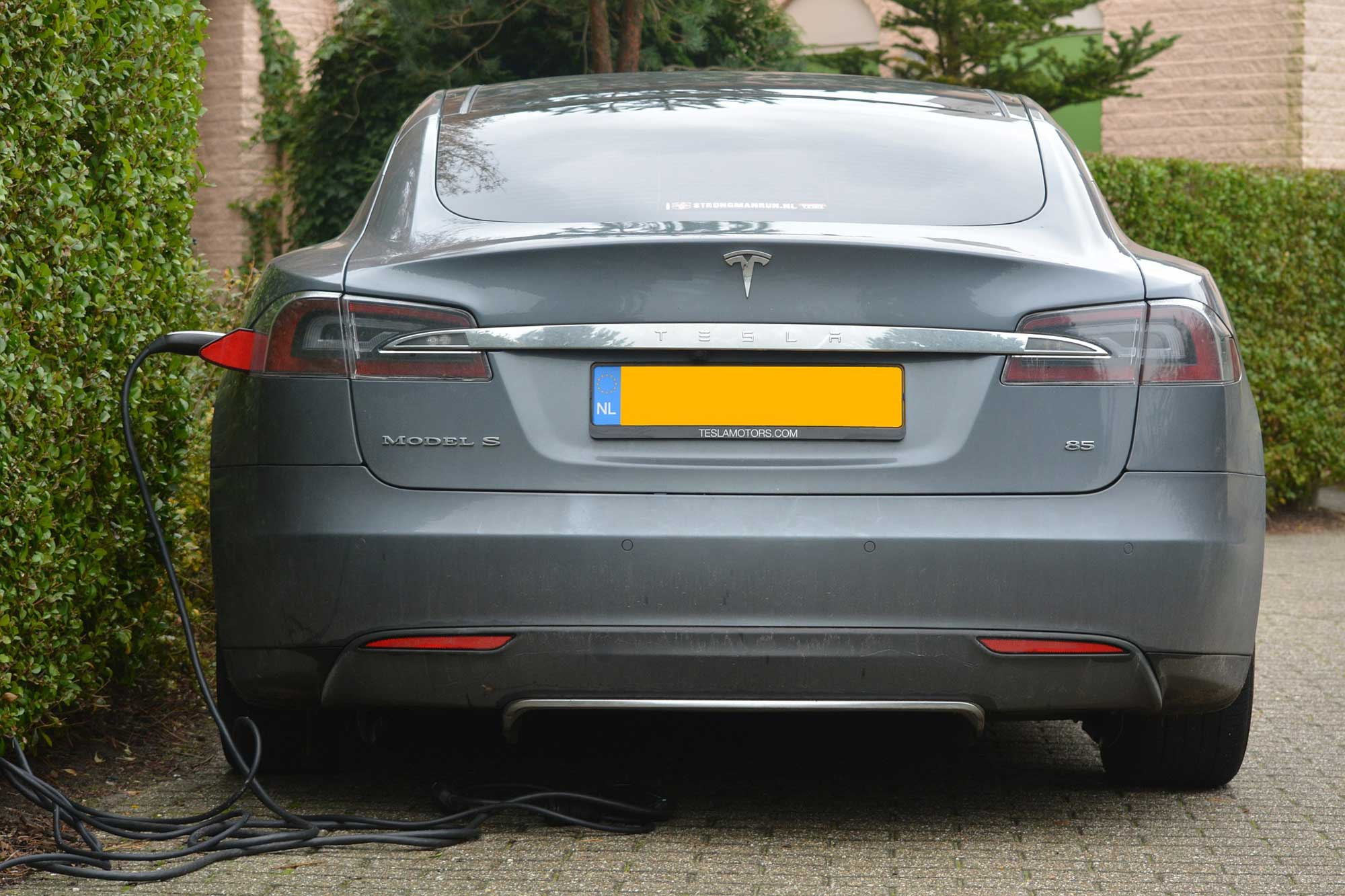 1. korak za čuvanje života na našem planetu: Punjenje električnog automobila